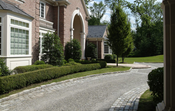 Cobblestone & Gravel Driveways