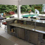 Outdoor Kitchen Counter & Bar