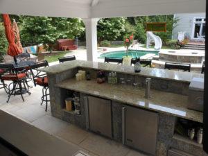 Outdoor Kitchen Counter & Bar